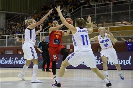 España gana y llega al EuroBasket sin fallo